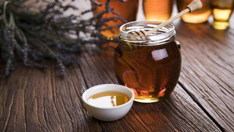 Health and nutritional benefits of raw, unfiltered honey